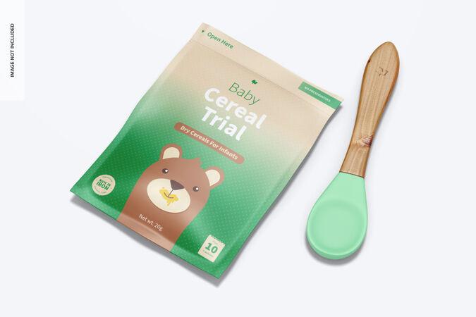 婴儿麦片试用包与勺子模型